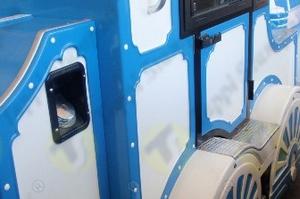 Nicchia da incasso per aggancio tubo Ø 60 mm con tappo a baionetta con chiave su treno turistico