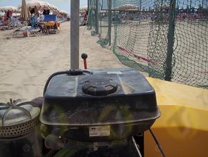 Tappo serbatoio D.76 in plastica e acciaio a baionetta per macchine per la pulizia della spiaggia