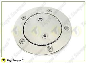 Tappo-serbatoio-NTC-e-bocchettone-di-imbarco-flangiato-a-baionetta-passaggio-40-mm-in-acciaio-inox-con-catena-di-ritenuta-300x220