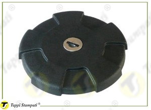 D.96 bayonet tank cap with key passage diameter 40 mm in plastic and steel and diameter of cap covering 96 mm