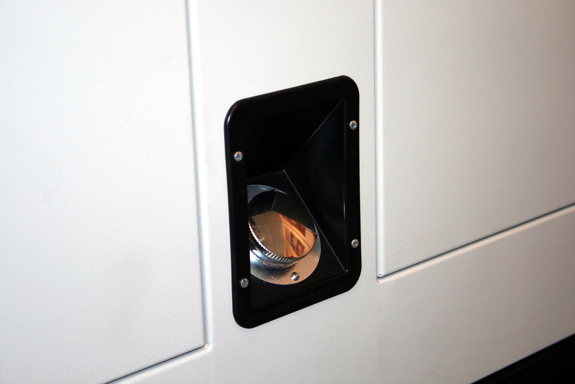 Tappo serbatoio per cabina insonorizzata gruppo elettrogeno - Tappi Stampati